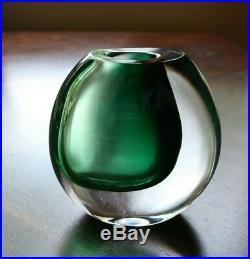 KOSTA Green Glass Vase signed Vicke Lindstand LH1450 off set sommerso midcentury