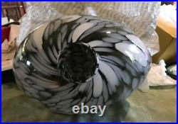 Kosta Boda Art Glass Ann Wahlstrom Egg Shaped Vase new w tags