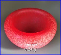 Kosta Boda Artist Ulrica Hydman-Vallien Modern sandblasted Glass Bowl signed
