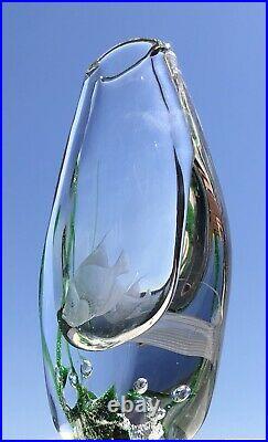 RARE Signed VICKE LINDSTRAND KOSTA BODA Vase Etched Fishes Solid Glass, 1950s