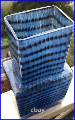Signed BERTIL VALLIEN KOSTA BODA SWEDEN Glass Metropolis Skyscraper Blue Vase 9