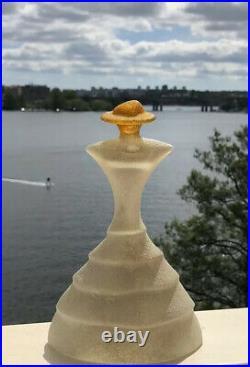 Signed KJELL ENGMAN KOSTA BODA Catwalk Madame Woman Glass Figure SWEDEN, H 6,5