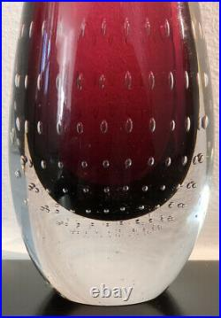 Signed Thickwall VICKE LINDSTRAND KOSTA BODA Red Glass Vase Air Bubbles, H7 1/4