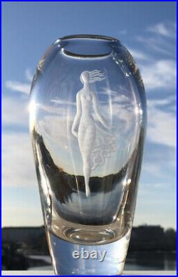 Signed VICKE LINDSTRAND KOSTA BODA Vase Etched Lady Rounded Clear Glass, 1950's